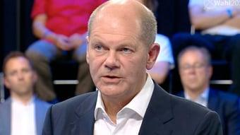IMAGEM: Social democrata Olaf Scholz declara vitória e ameaça tirar sigla de Merkel do poder
