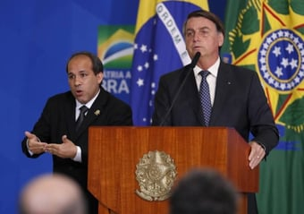 IMAGEM: O bolsonarismo do intérprete de libras do Planalto