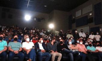 IMAGEM: Rio libera lotação máxima em teatros, cinemas e eventos