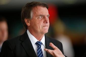 IMAGEM: Bolsonaro diz que Guedes segue até fim do governo