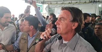 IMAGEM: Bolsonaro visita refugiados venezuelanos e manda indireta a Lula