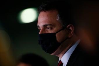 """IMAGEM: """"O veto é candidatíssimo a ser derrubado"""", diz Pacheco, sobre absorventes"""
