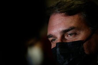 """IMAGEM: Flávio Bolsonaro diz que CPI quer usar Ministério Público de """"palanque eleitoral"""""""