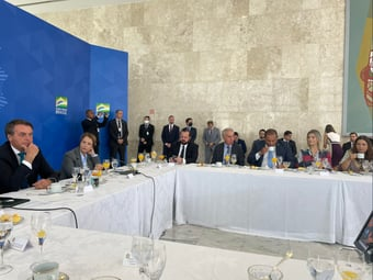 """IMAGEM: Bolsonaro: """"O agro vai muito bem"""""""