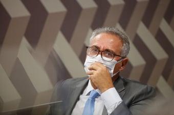 """IMAGEM: """"Depois da fala sobre vacina que dá Aids, vem isso aí?"""", diz Renan a Heinze"""