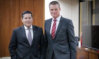 """IMAGEM: Mourão defende que Brasil use COP-26 para """"recuperar"""" imagem"""