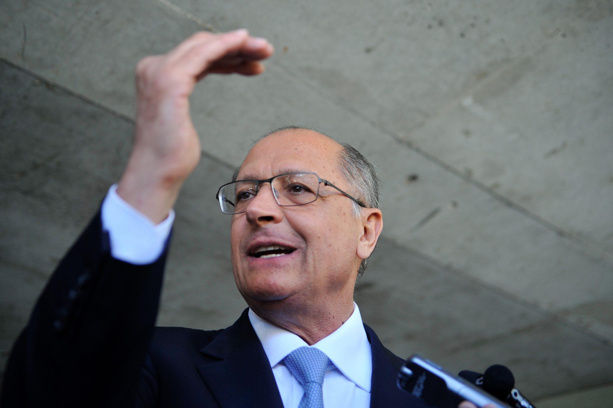IMAGEM: Candidatura de Alckmin fora do PSDB 'mexe com a cabeça' dos tucanos