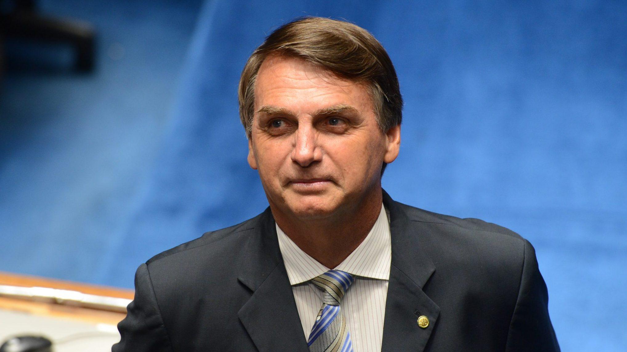 IMAGEM: Bolsonaro vai a aldeia no Mato Grosso em março