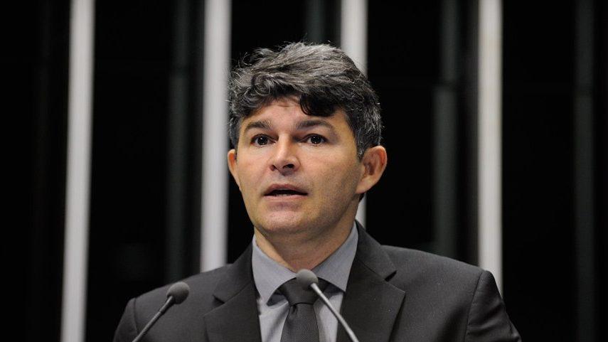 IMAGEM: Candidata de Bolsonaro no Mato Grosso chorou e disse que Jesus avisou que ela vai ganhar