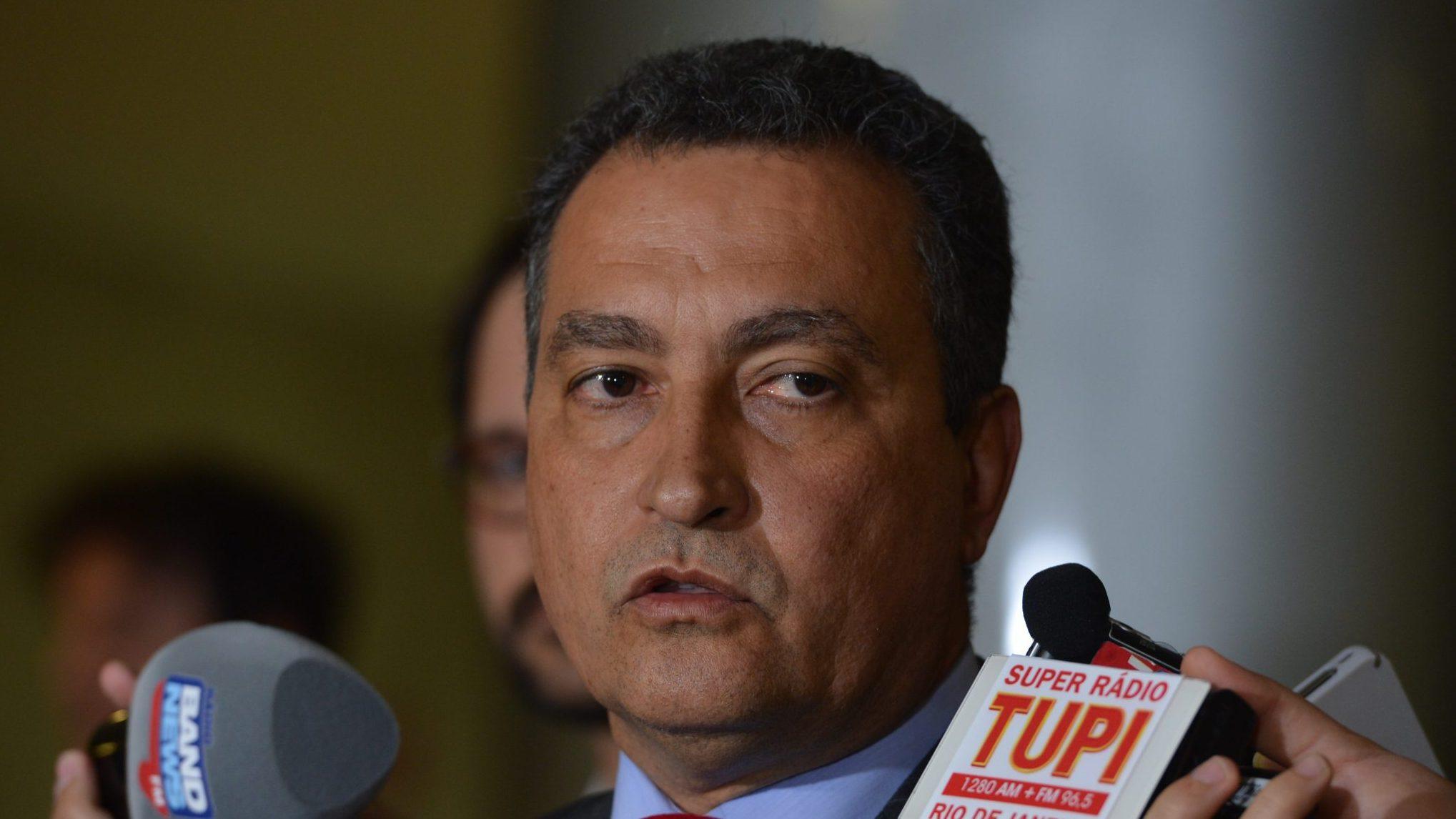 IMAGEM: Com salários congelados, governo da Bahia gasta R$ 600 mil com cachês de show
