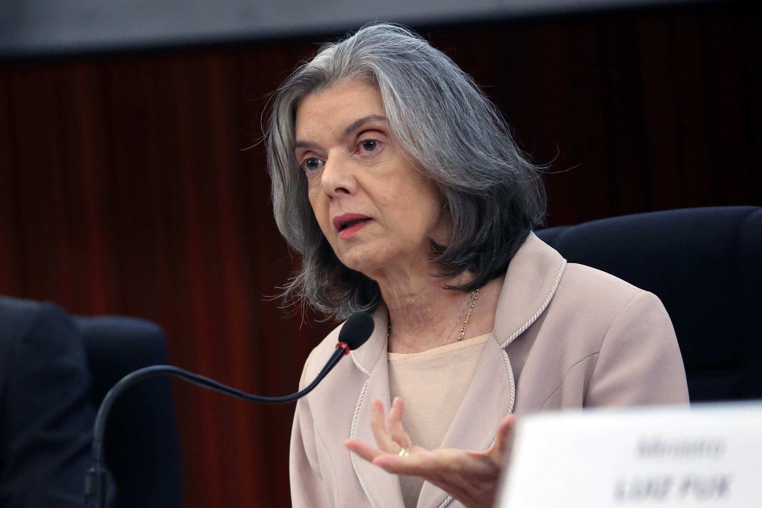 IMAGEM: Cármen foi a favor de penduricalho de juízes do Rio