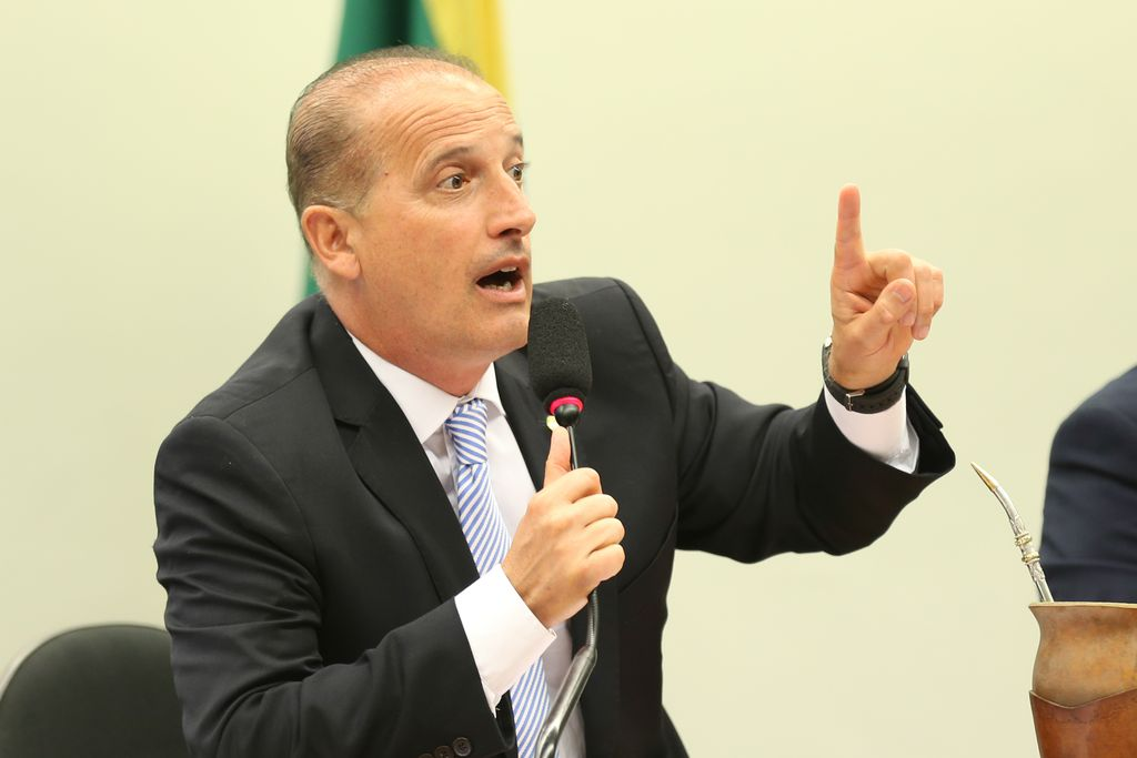 IMAGEM: 'Jogaram no meu colo' a presidência do PSL-RS, diz empresária