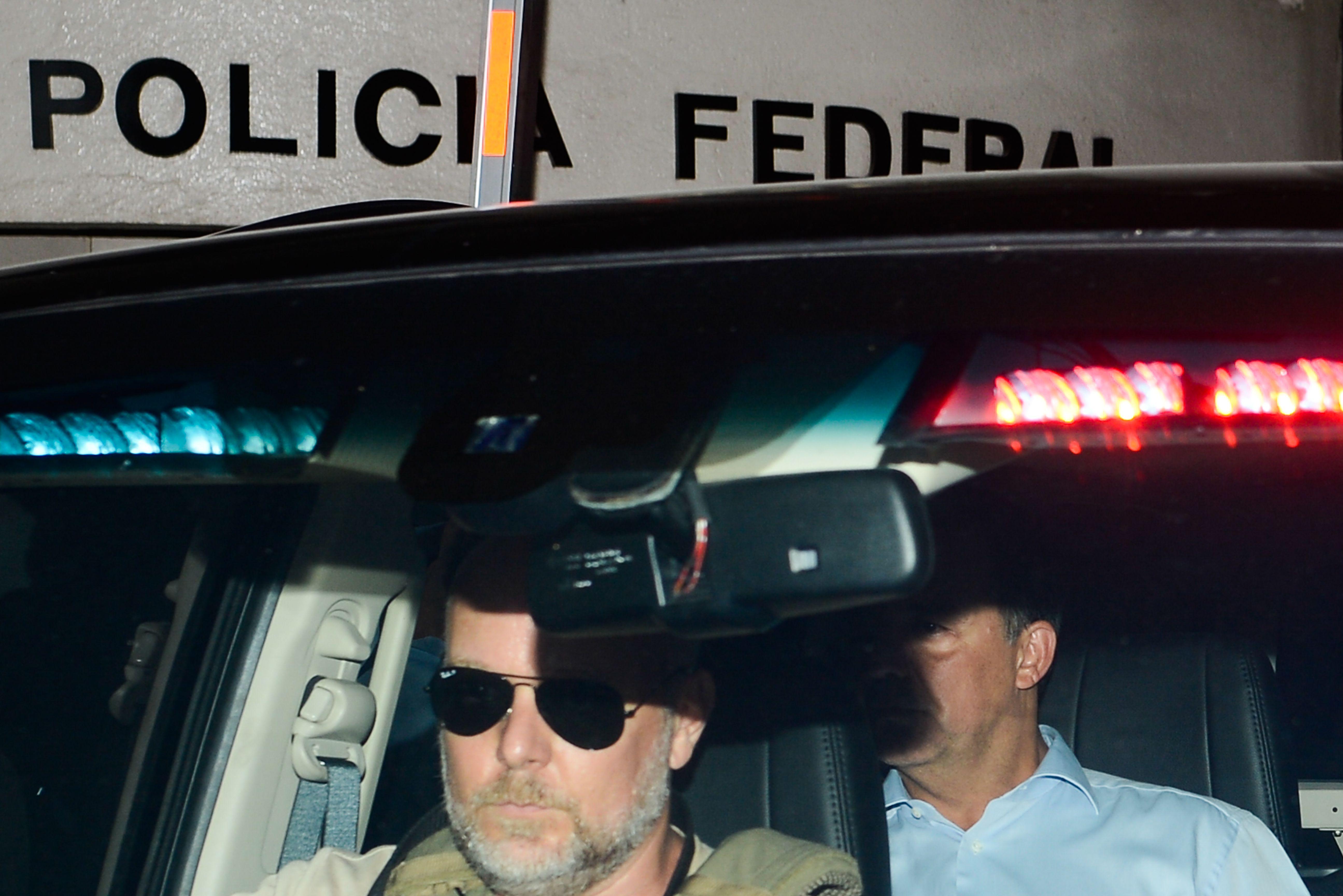 IMAGEM: Justiça atrasa em 11 meses progressão de Cabral para o semiaberto