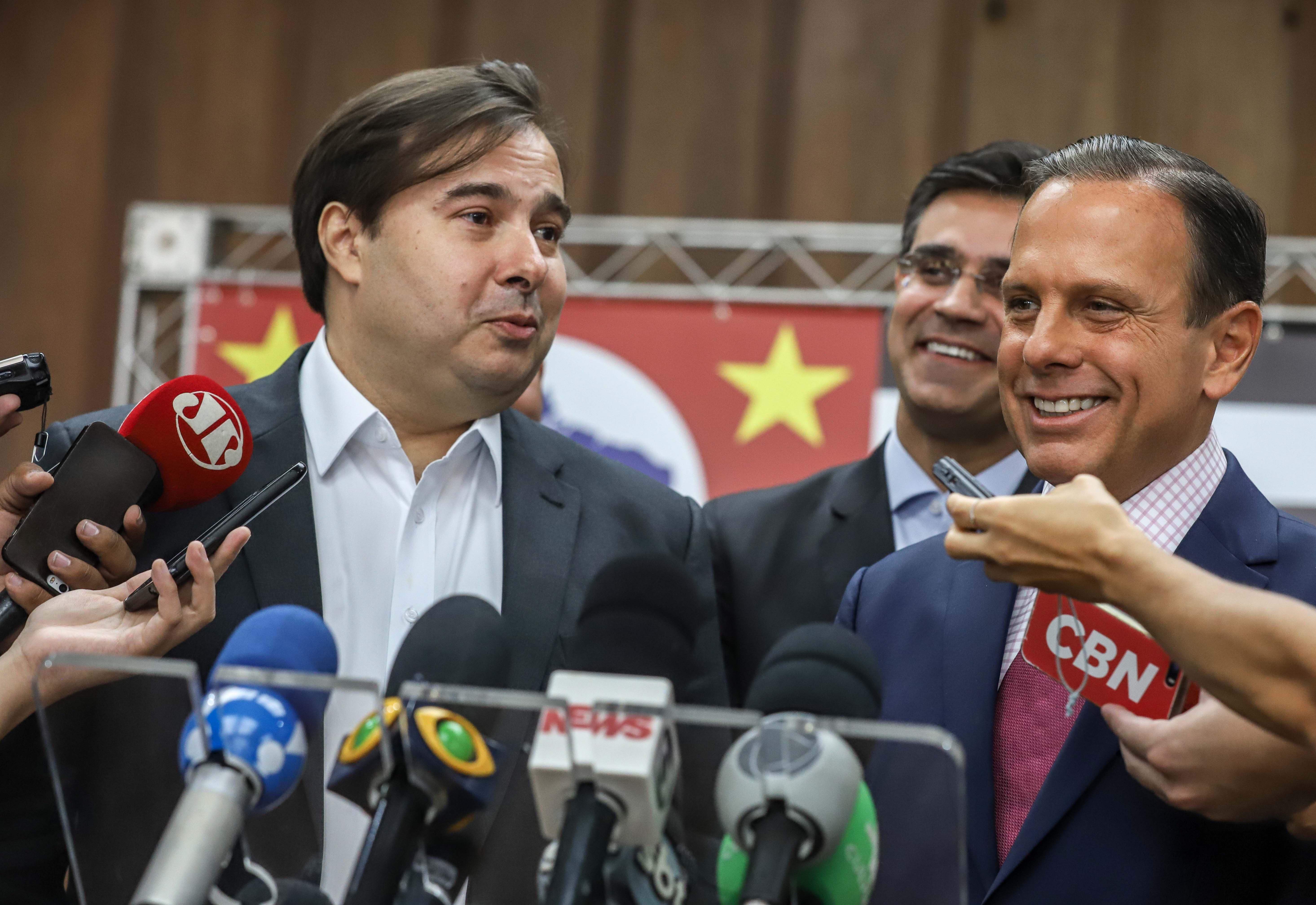 IMAGEM: Doria convidou Maia para reunião com governadores