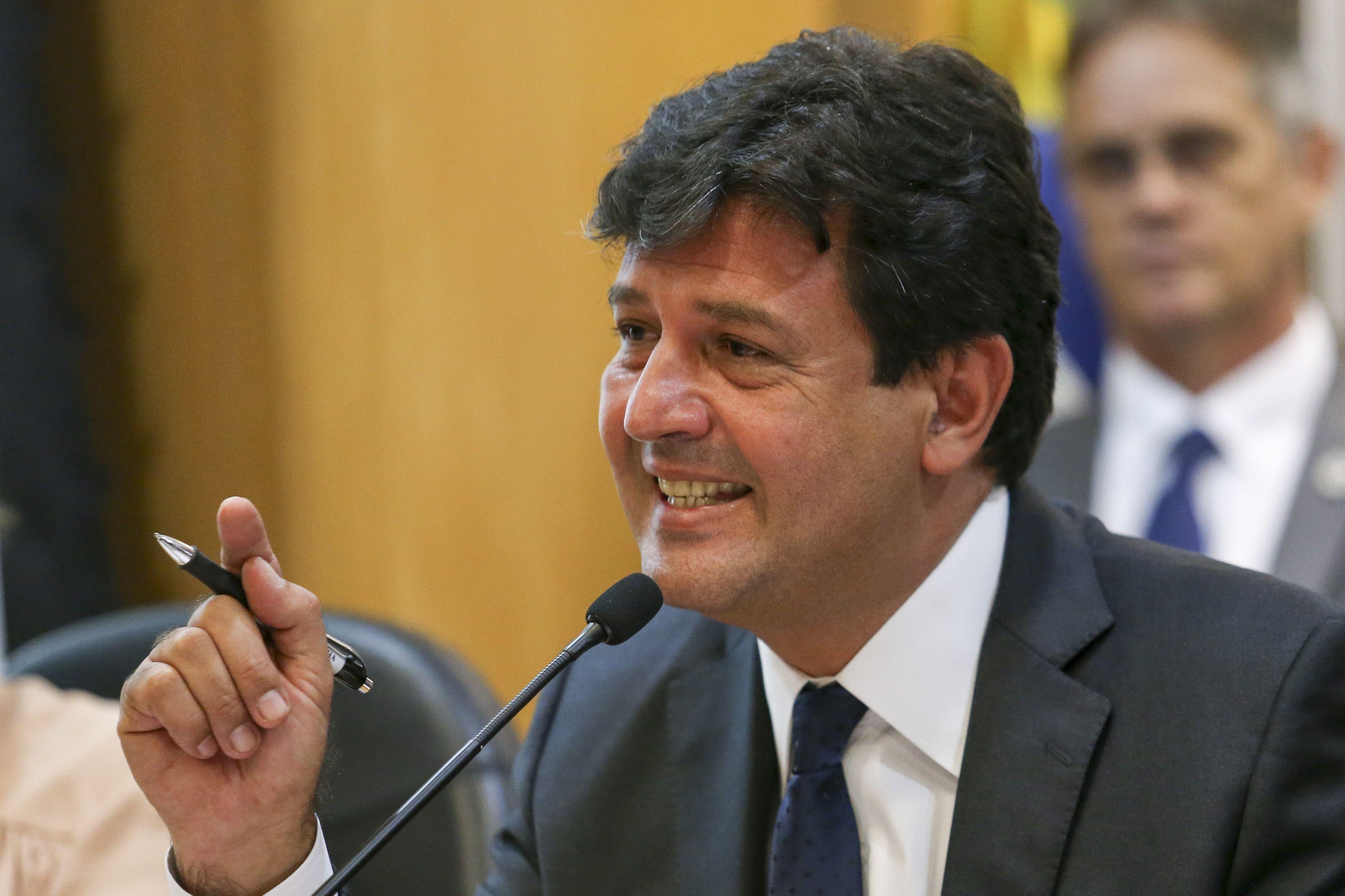 IMAGEM: Ministro diz que equipe do governo federal sofreu ameaças em hospital do Rio