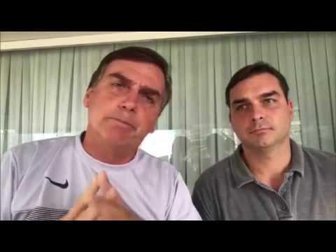 """IMAGEM: """"Acusação maldosa"""", diz Bolsonaro sobre denúncia contra Flávio"""