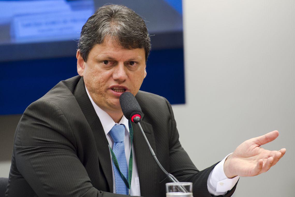 IMAGEM: Ministro diz que Brasil vai recuperar grau de investimento em breve