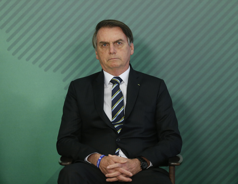 IMAGEM: Bolsonaro ainda está com Covid-19