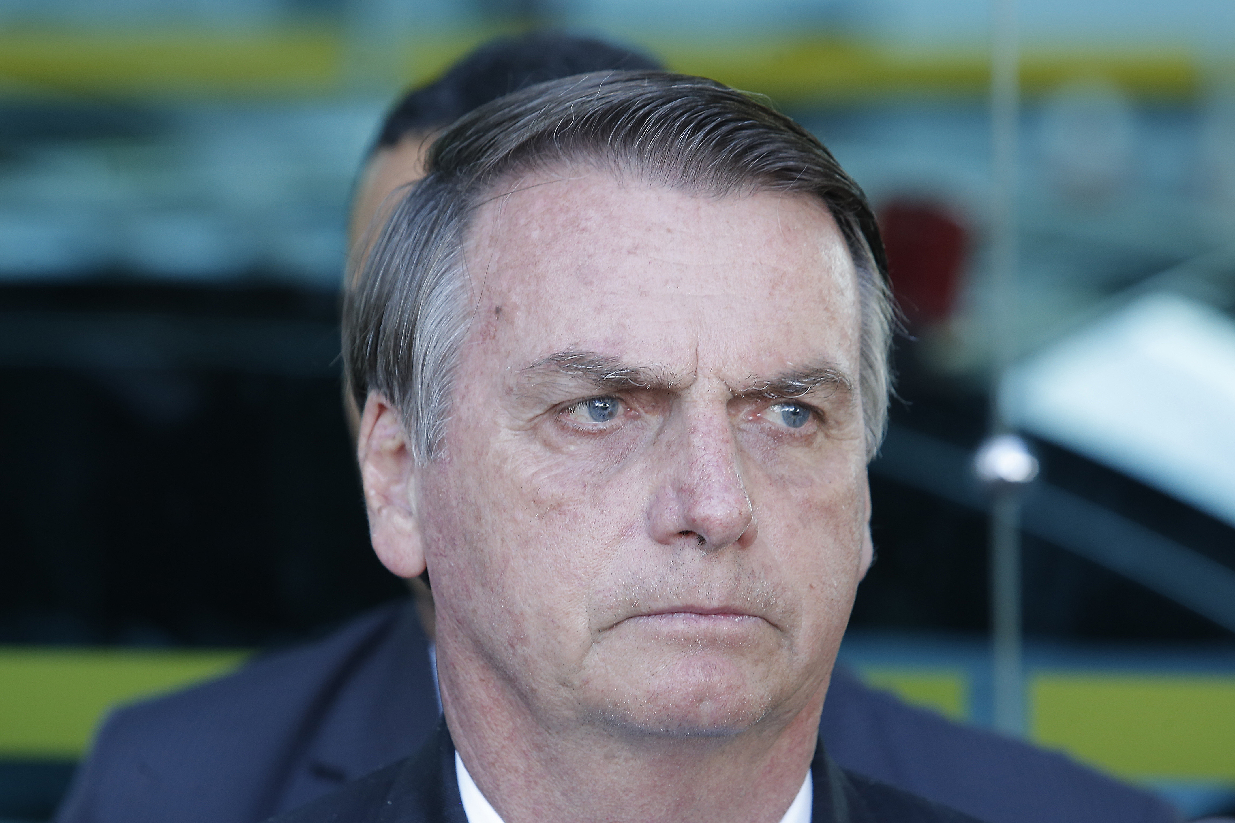 """IMAGEM: """"Concursos públicos, só os essenciais"""", diz Bolsonaro"""