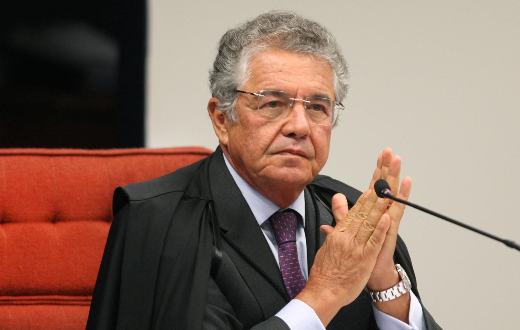 """IMAGEM: """"Podemos muito bem rezar em casa"""", diz Marco Aurélio Mello sobre decisão que liberou cultos"""