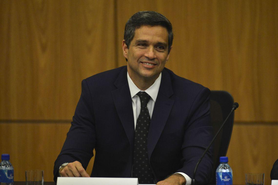 """IMAGEM: Presidente do BC diz que resultado do PIB fará projeções caírem """"um pouquinho"""""""
