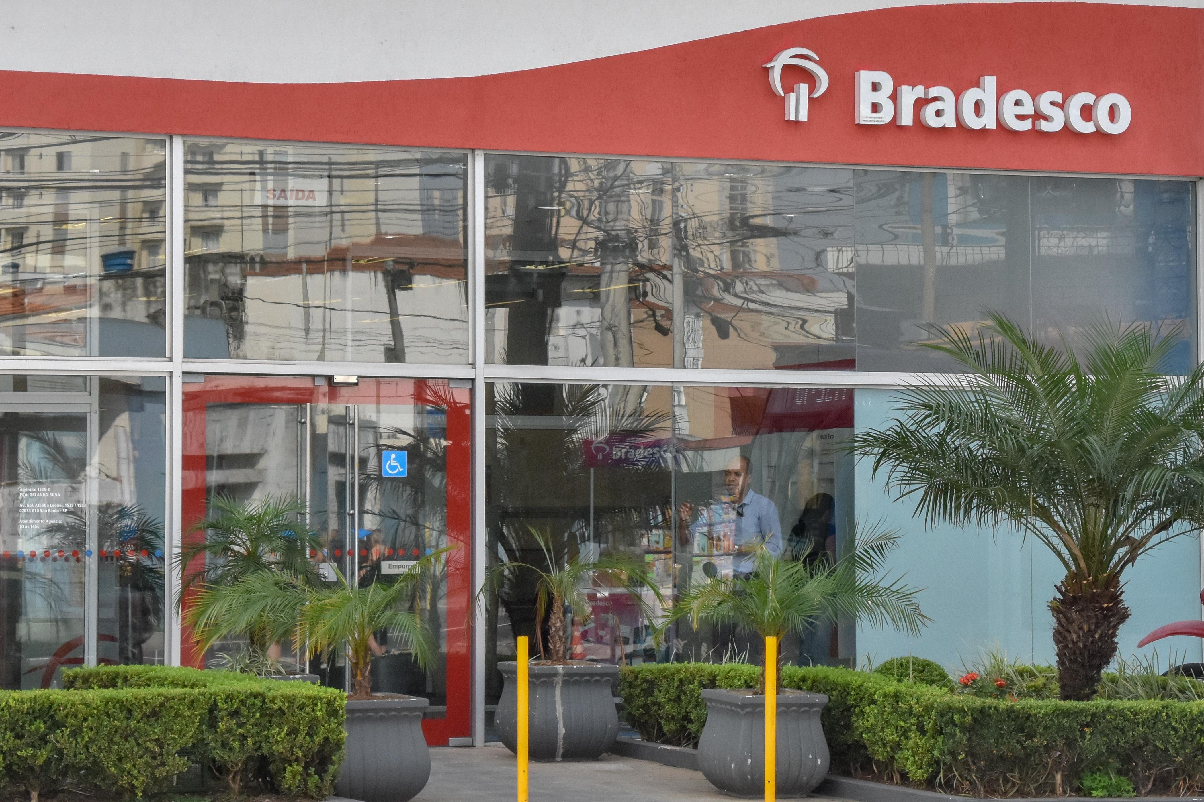IMAGEM: Bradesco reduz previsão de queda do PIB para 4,5%