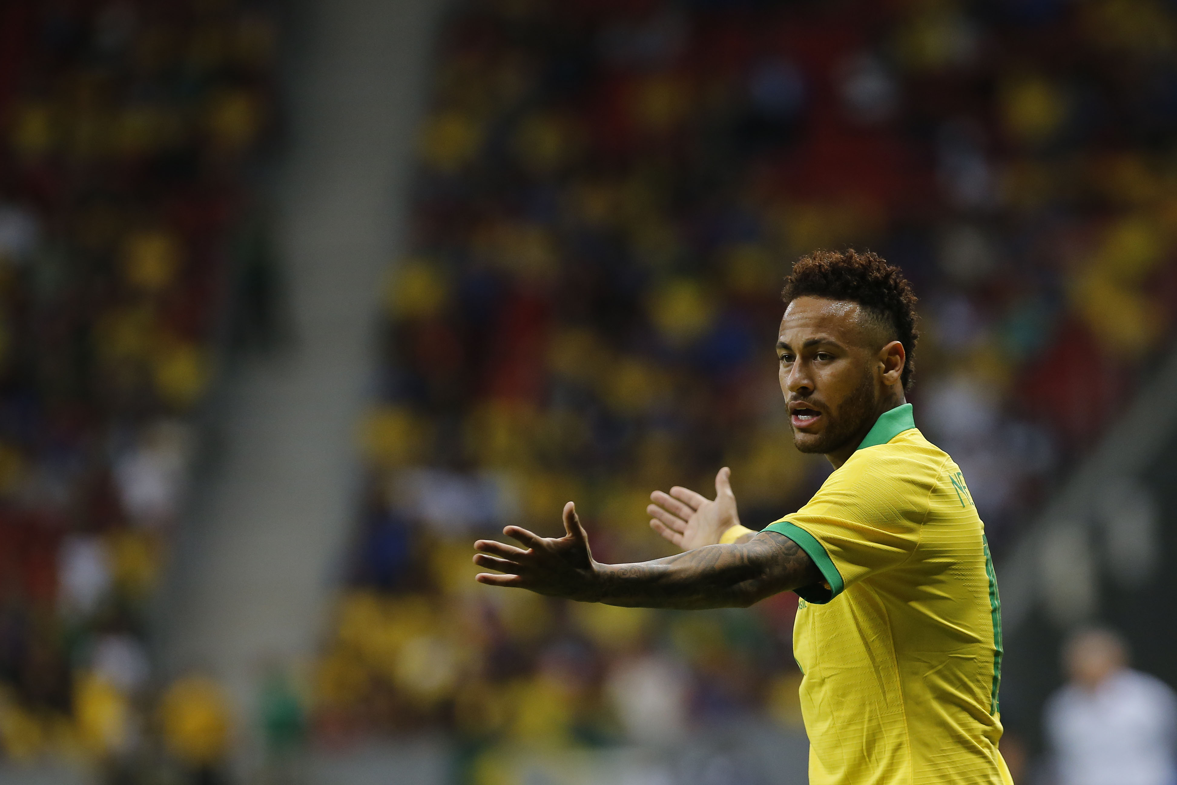 IMAGEM: Caso Neymar: advogado de Najila deixa de representá-la