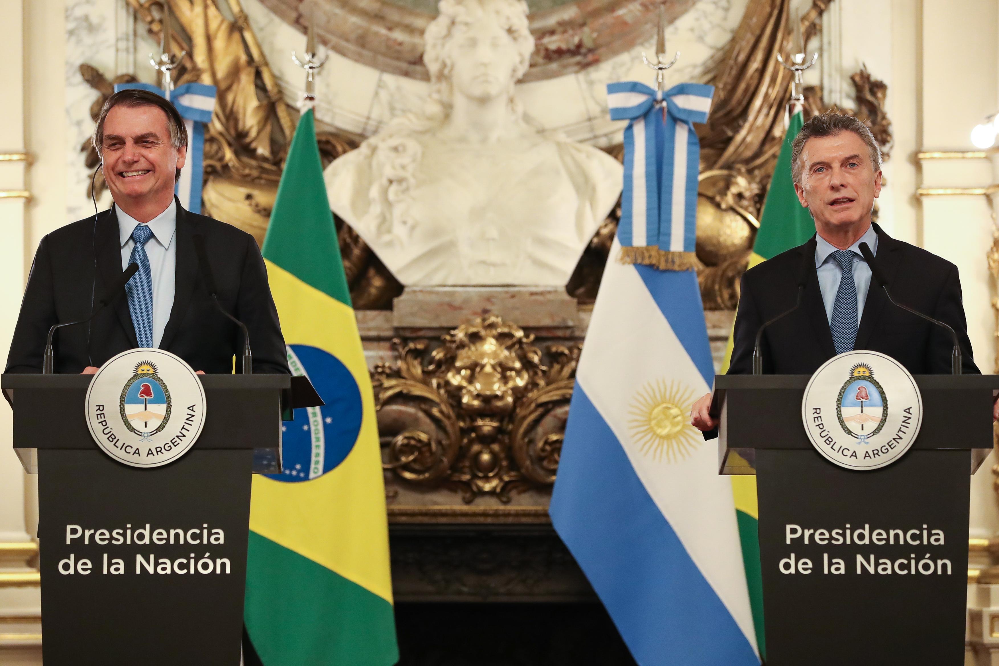 """IMAGEM: Declarações de Bolsonaro sobre Fernández foram """"inapropriadas"""", diz chanceler de Macri"""