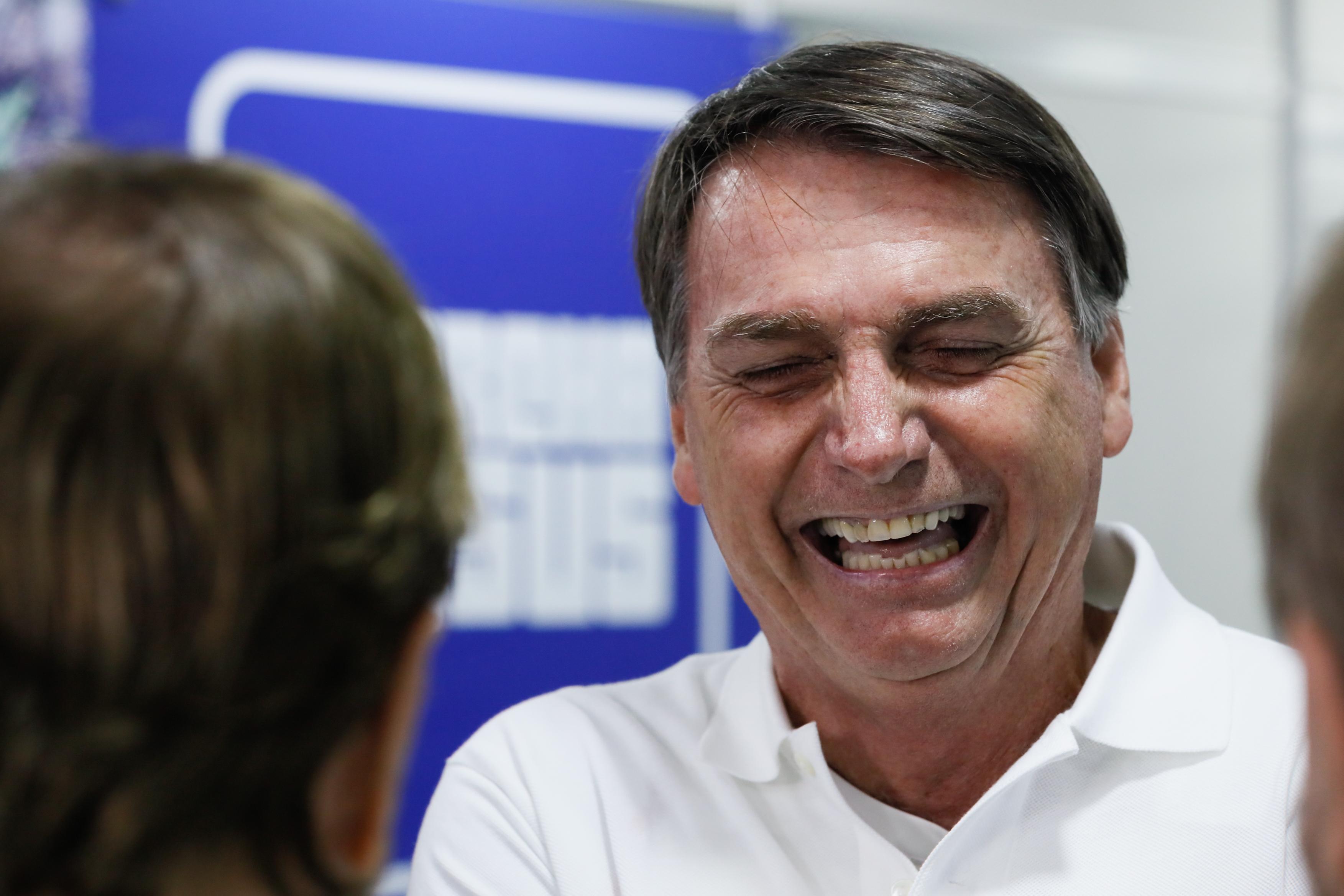"""IMAGEM: Bolsonaro e o general """"melancia"""""""