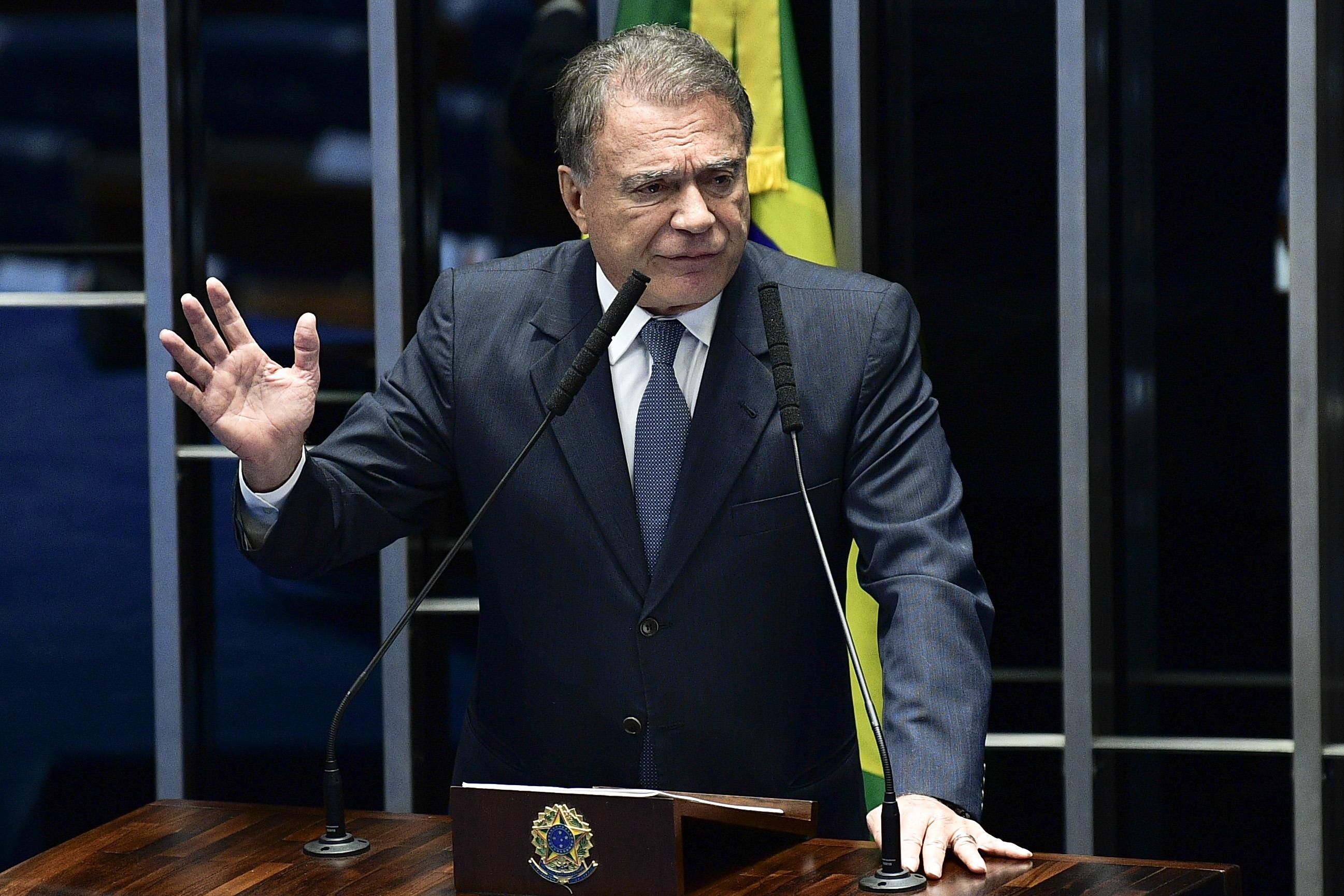 """IMAGEM: """"Isso é Justiça?"""", questiona Álvaro Dias sobre guinada do STF"""