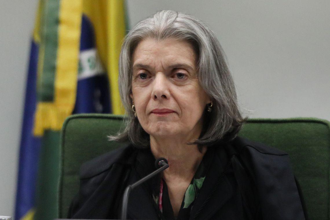 IMAGEM: Cármen manda Mendonça entregar cópias do dossiê sobre antifascistas a cada ministro do STF