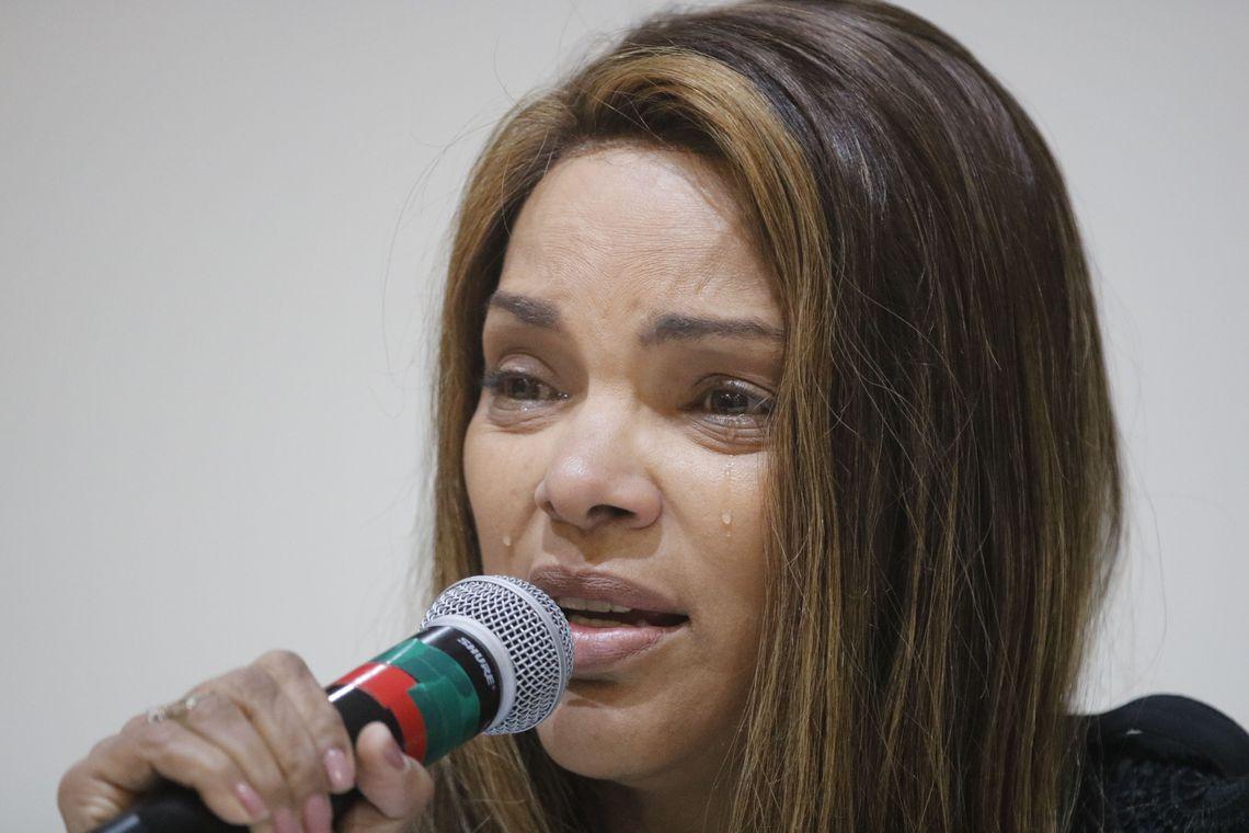 IMAGEM: Em depoimento na Câmara, Flordelis chora e diz que não mandou matar o marido