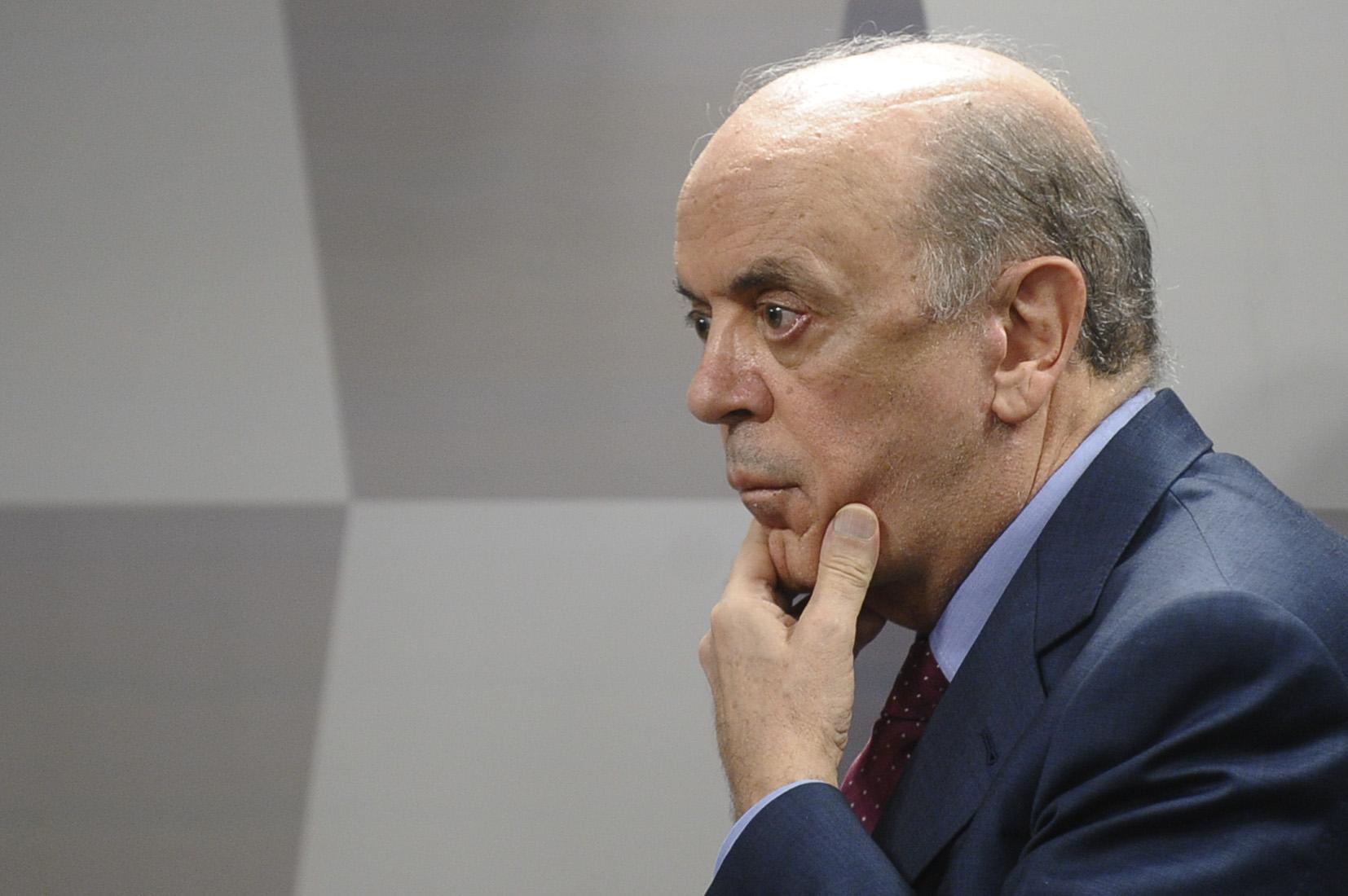 IMAGEM: Provas contra Serra completam um ano lacradas por decisão do STF