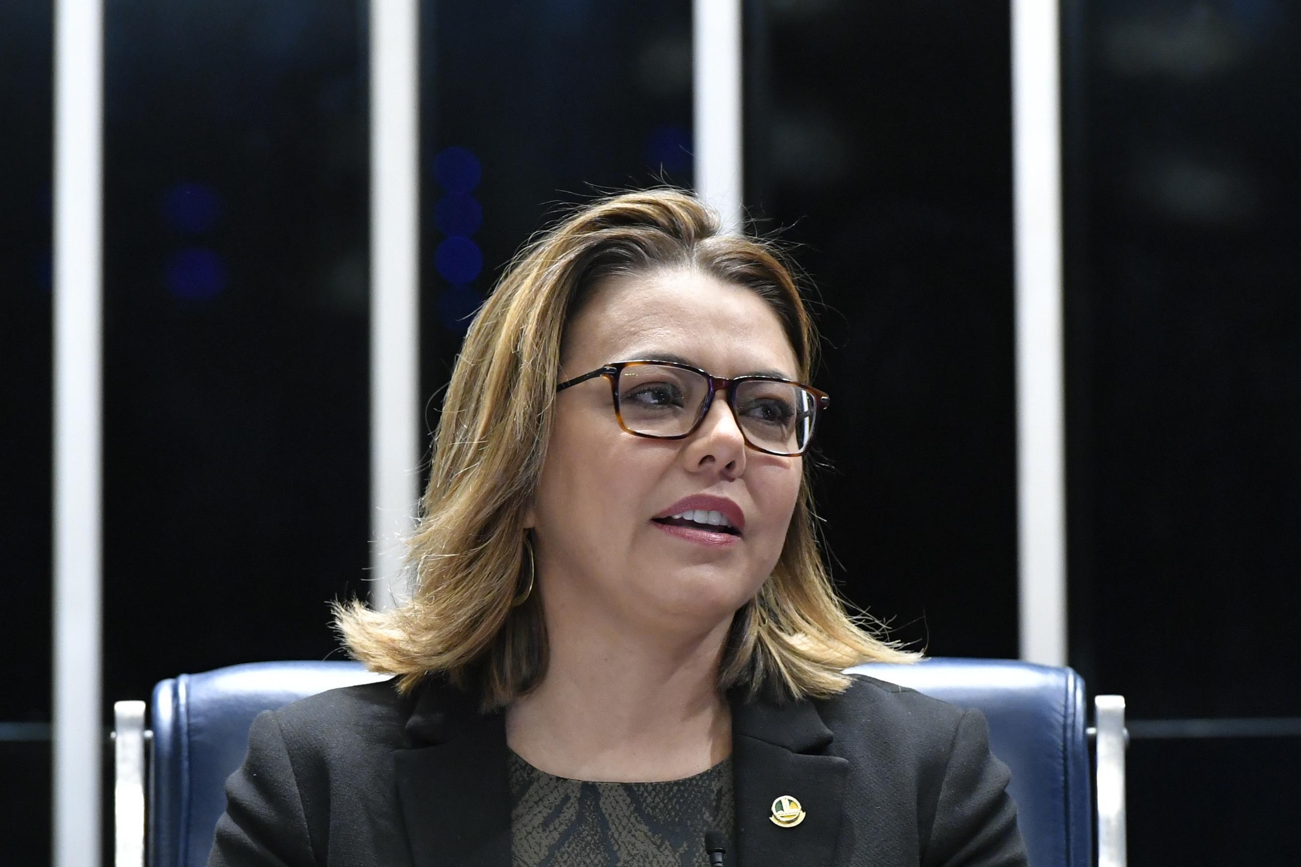 IMAGEM: Exame de senadora do Distrito Federal dá negativo para novo coronavírus