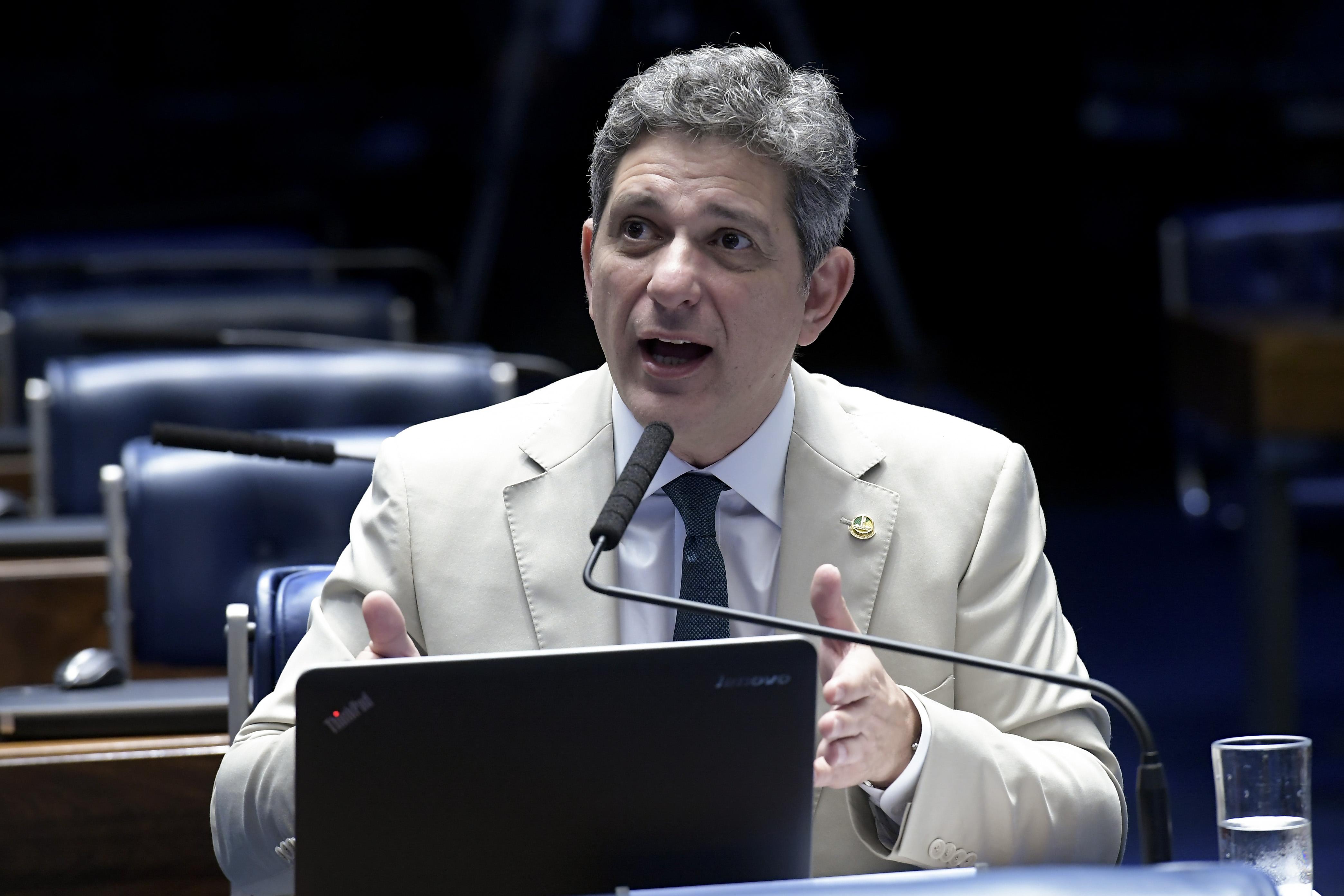 IMAGEM: Líder do PT defende que Congresso tome do governo o controle de parte do Orçamento