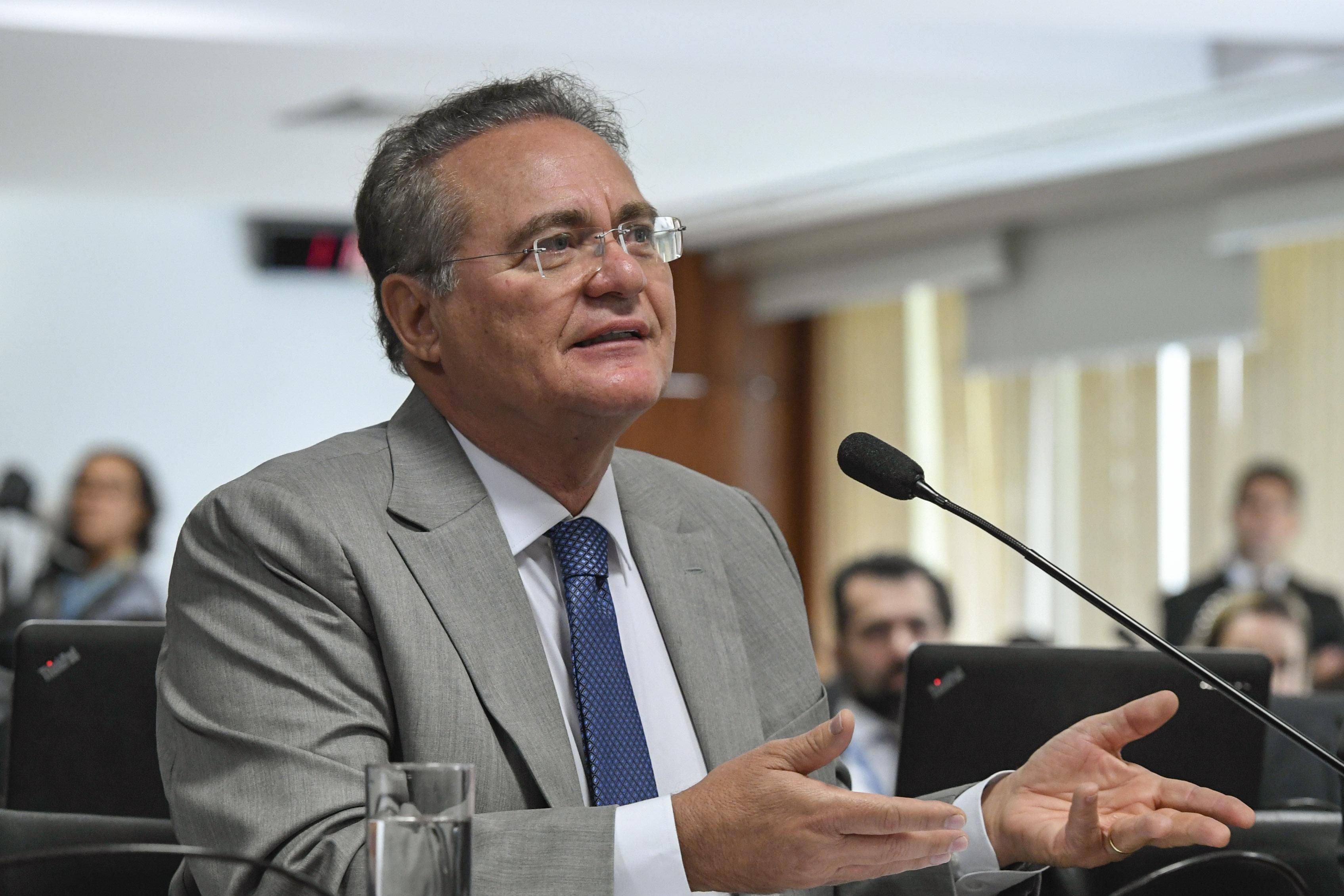 IMAGEM: Renan diz que censura do CNMP é pouco para Deltan