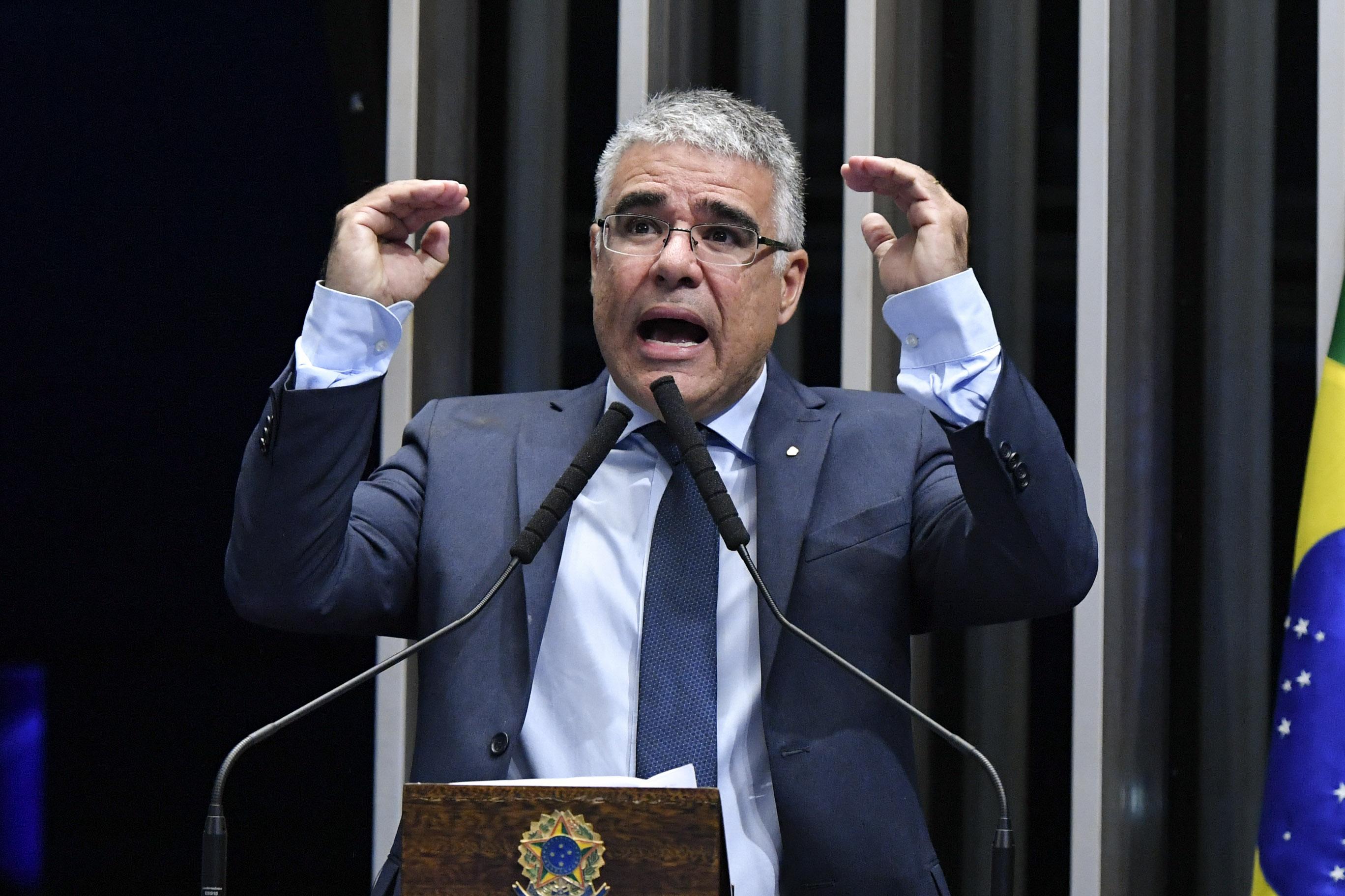 IMAGEM: Girão lembra que governo Bolsonaro foi eleito com bandeiras que hoje ignora