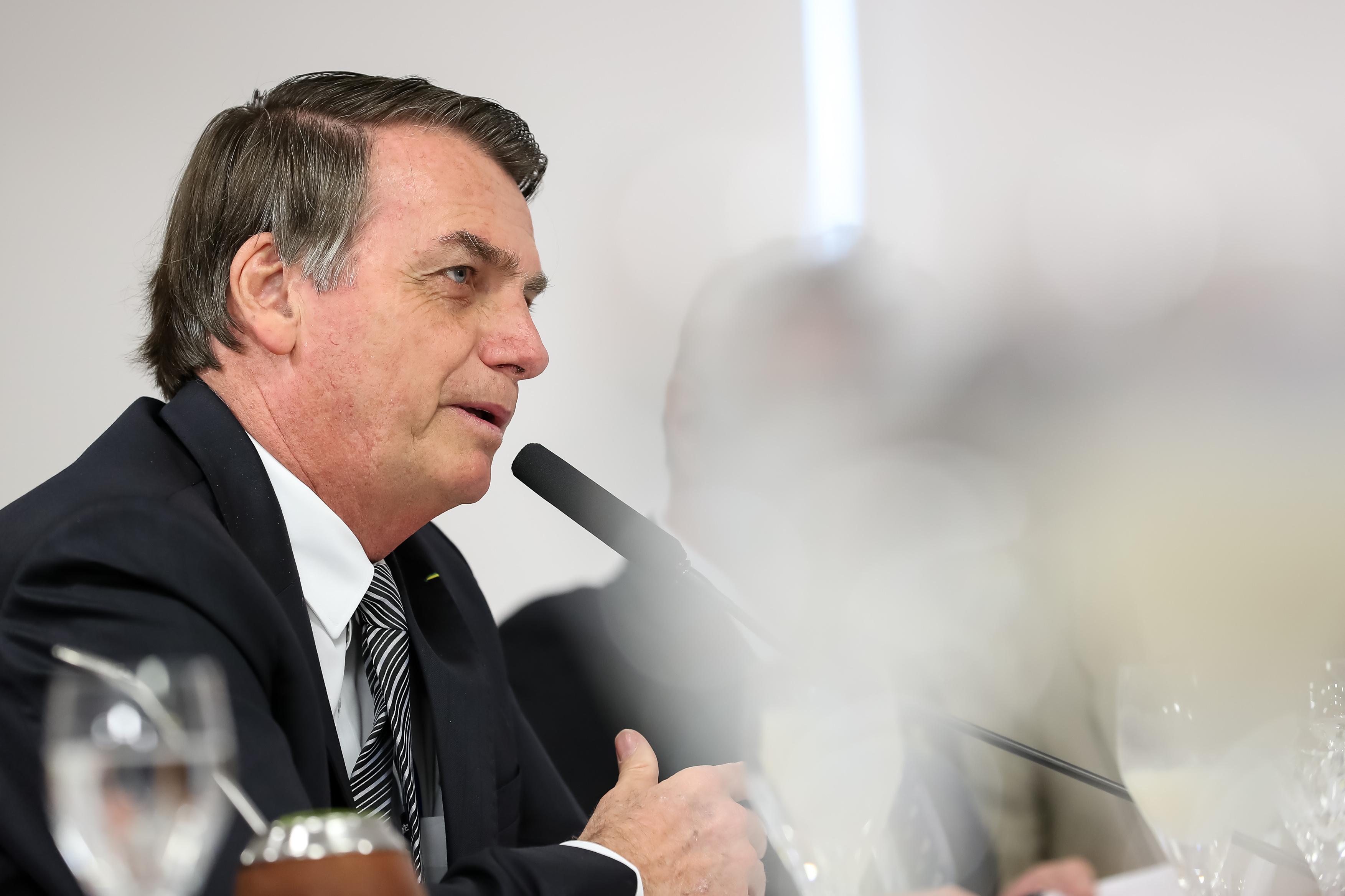 IMAGEM: Bolsonaro exonera secretário da Cultura