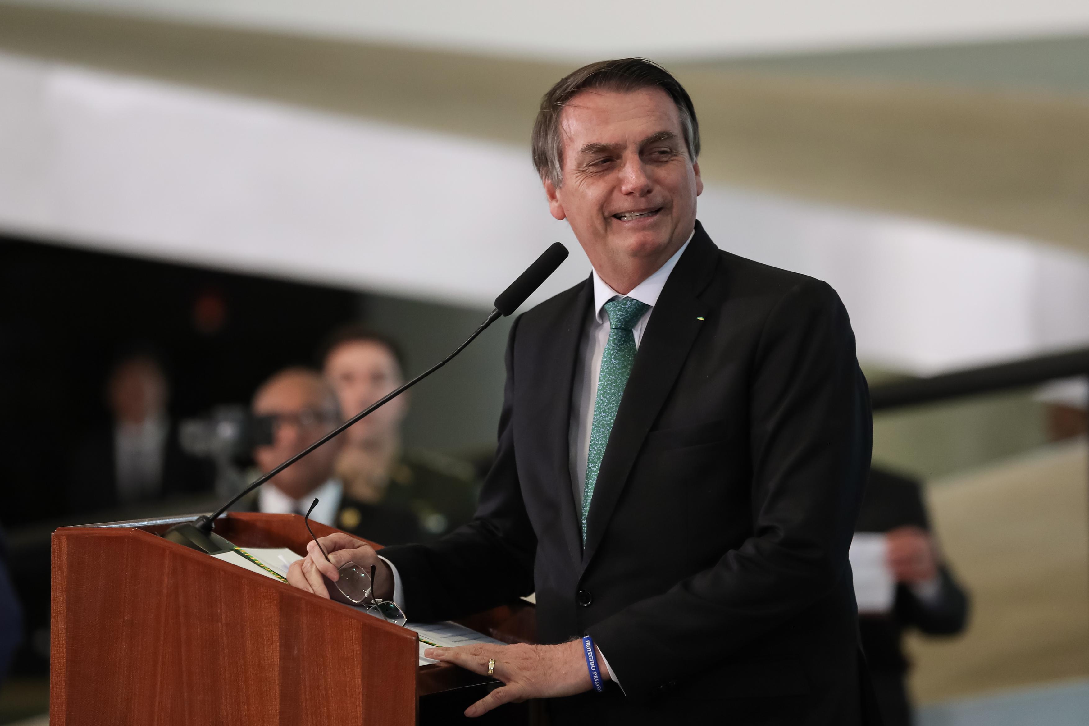 """IMAGEM: """"Tenho de seguir a lei, não sou ditador"""", diz Bolsonaro sobre bloqueio no Orçamento"""