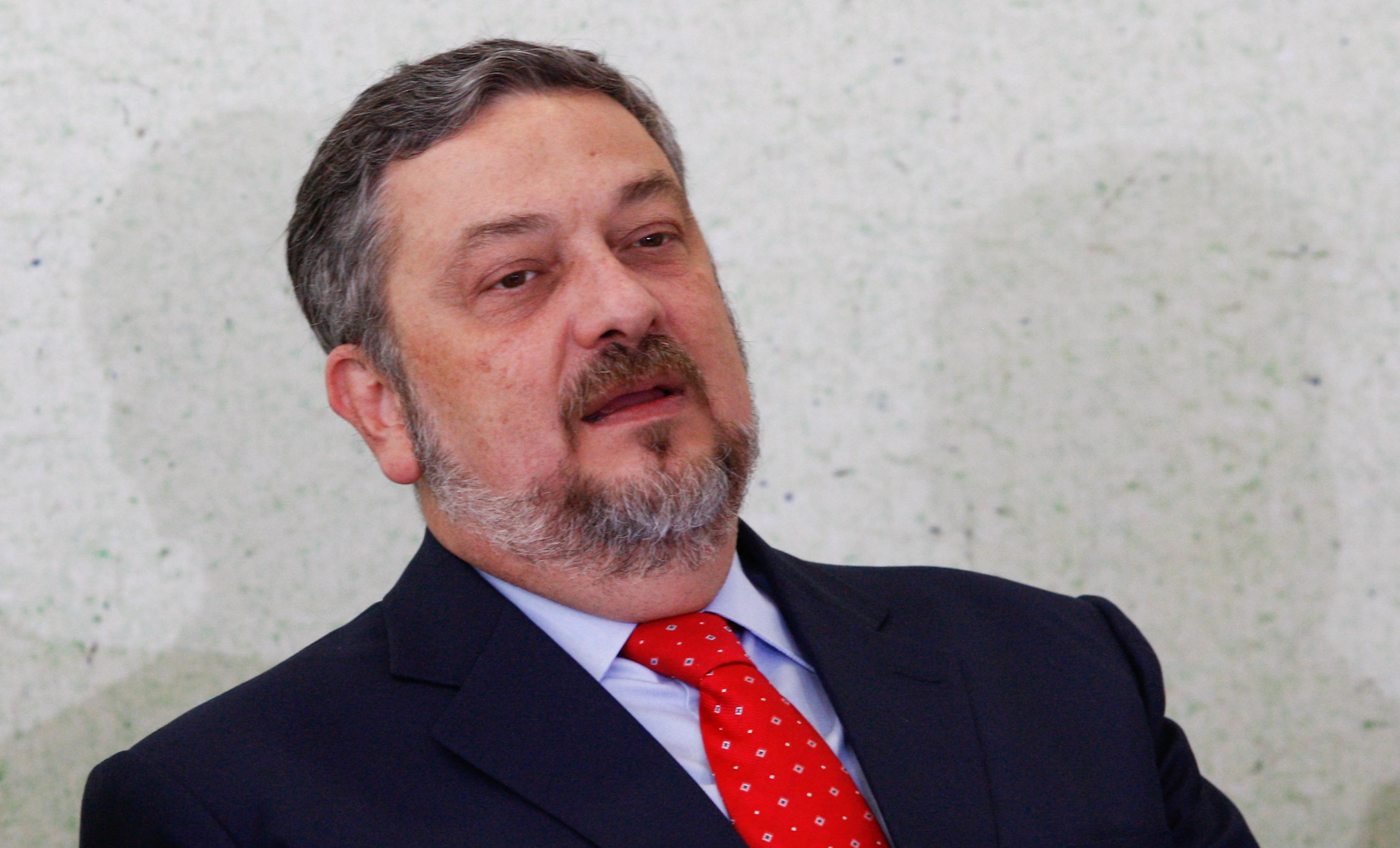 IMAGEM: Palocci e ex-diretores da Petrobras também se calaram em CPIs