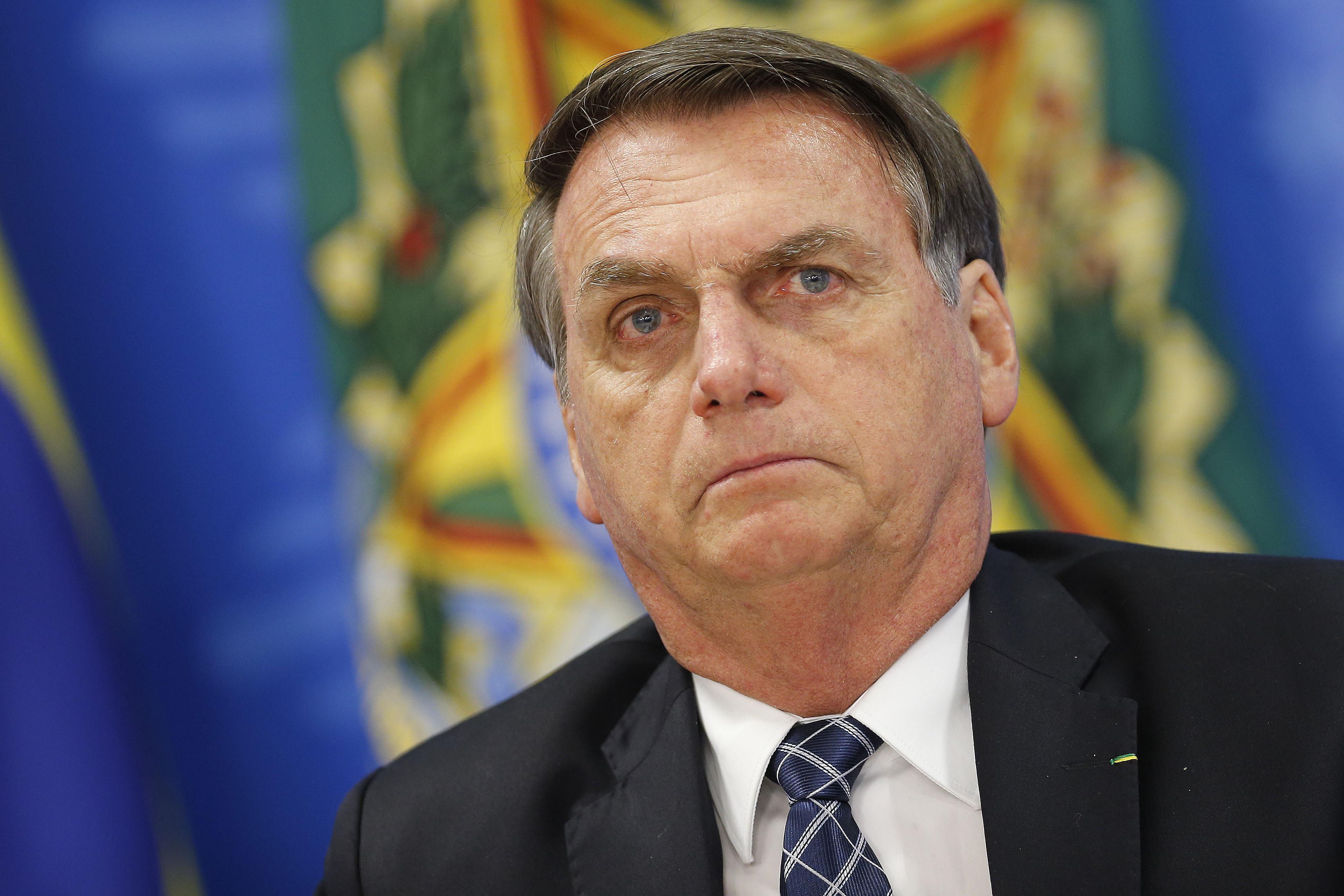 IMAGEM: Bolsonaro sugere 'fazer cocô dia sim, dia não' para ajudar ambiente