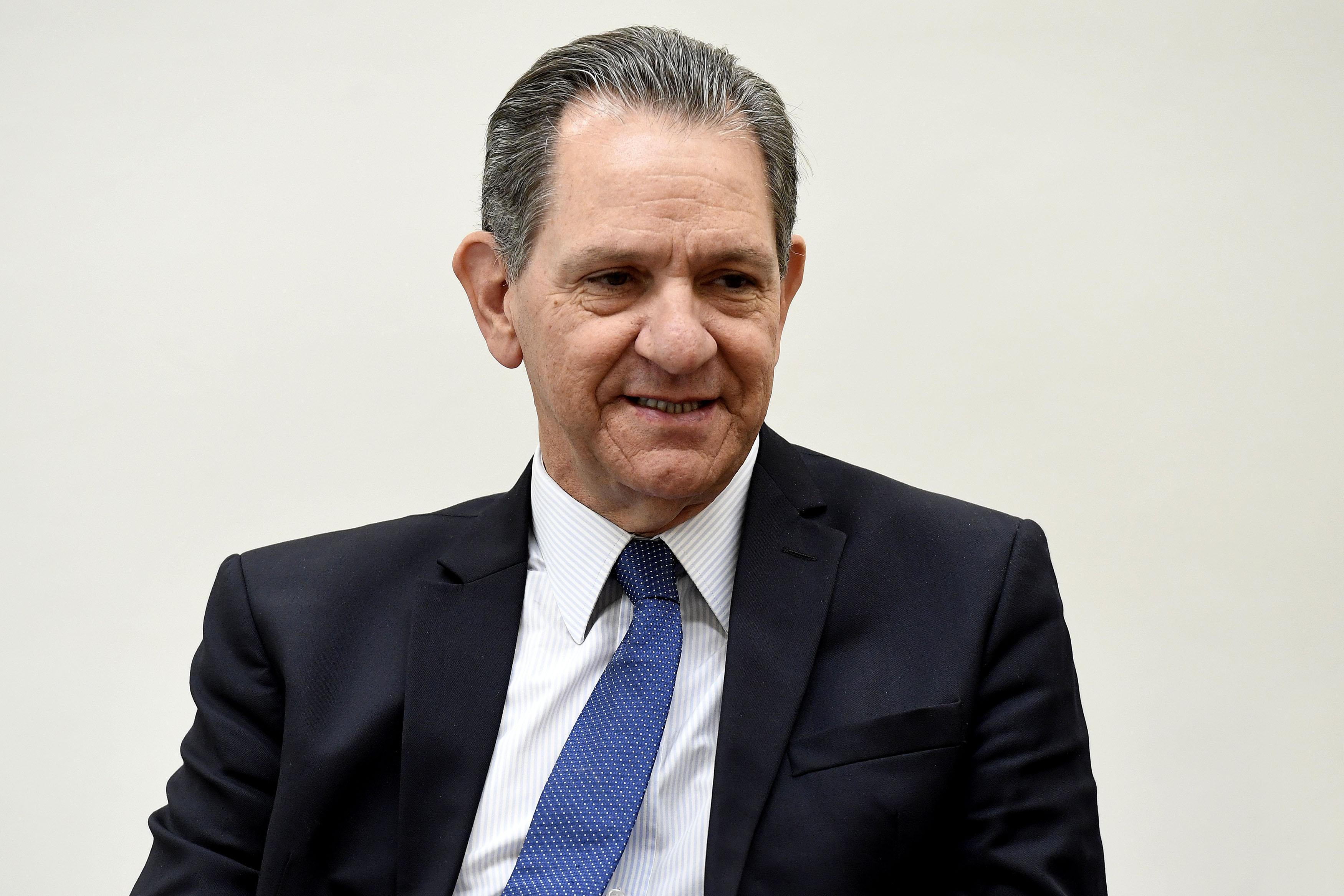 IMAGEM: Presidente do STJ livra Bolsonaro de revelar exames de coronavírus