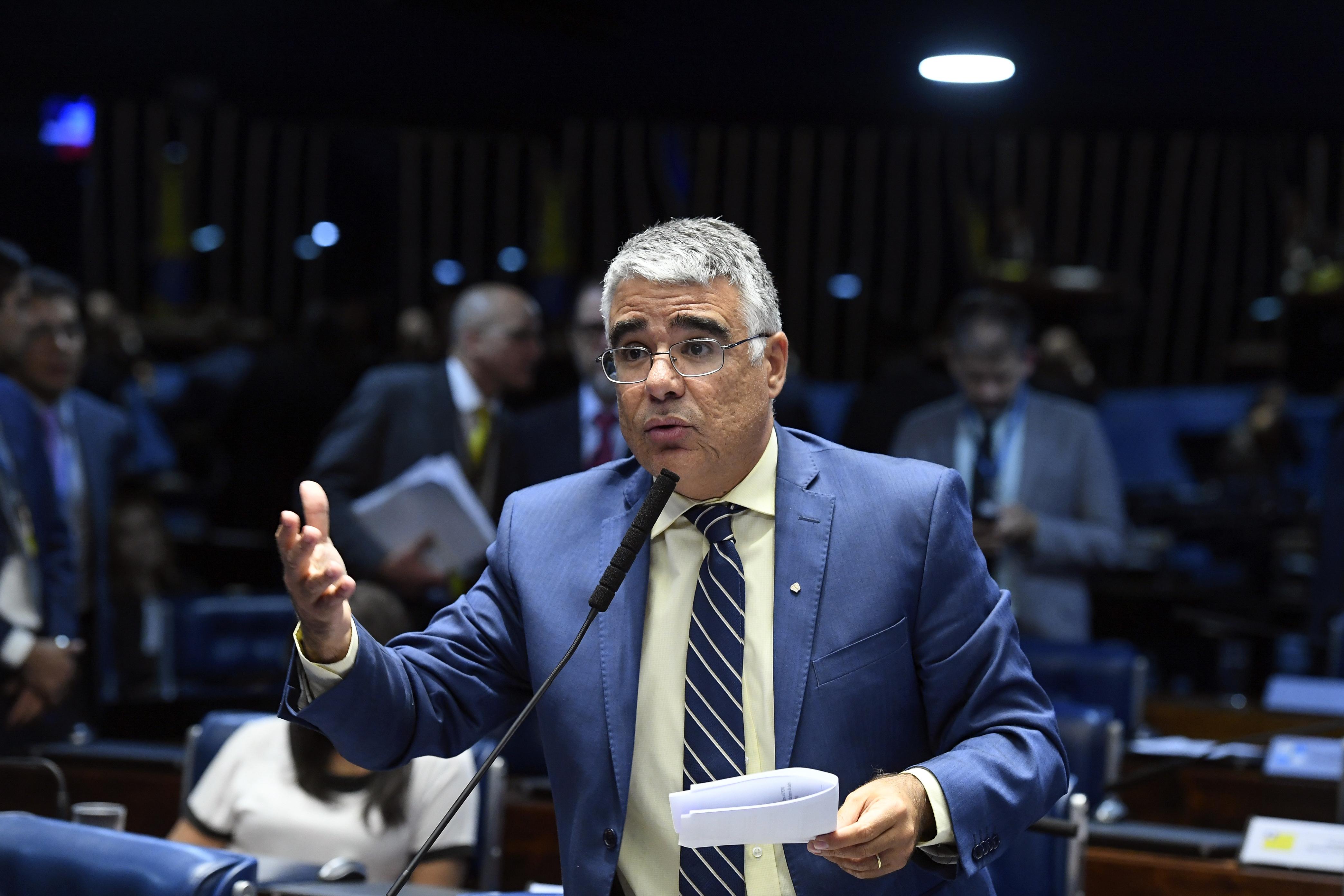 """IMAGEM: Girão cobra conservadorismo de Bolsonaro e diz que indicação ao STF """"parece ter digitais do Centrão"""""""