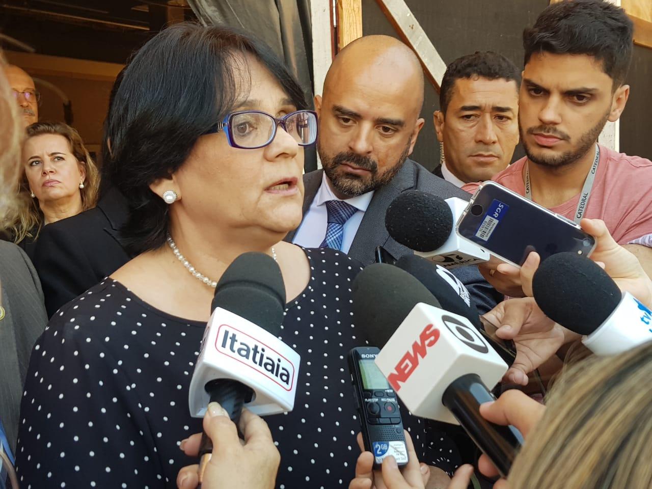 IMAGEM: Vídeo: Damares Alves cancela Memorial da Anistia em BH