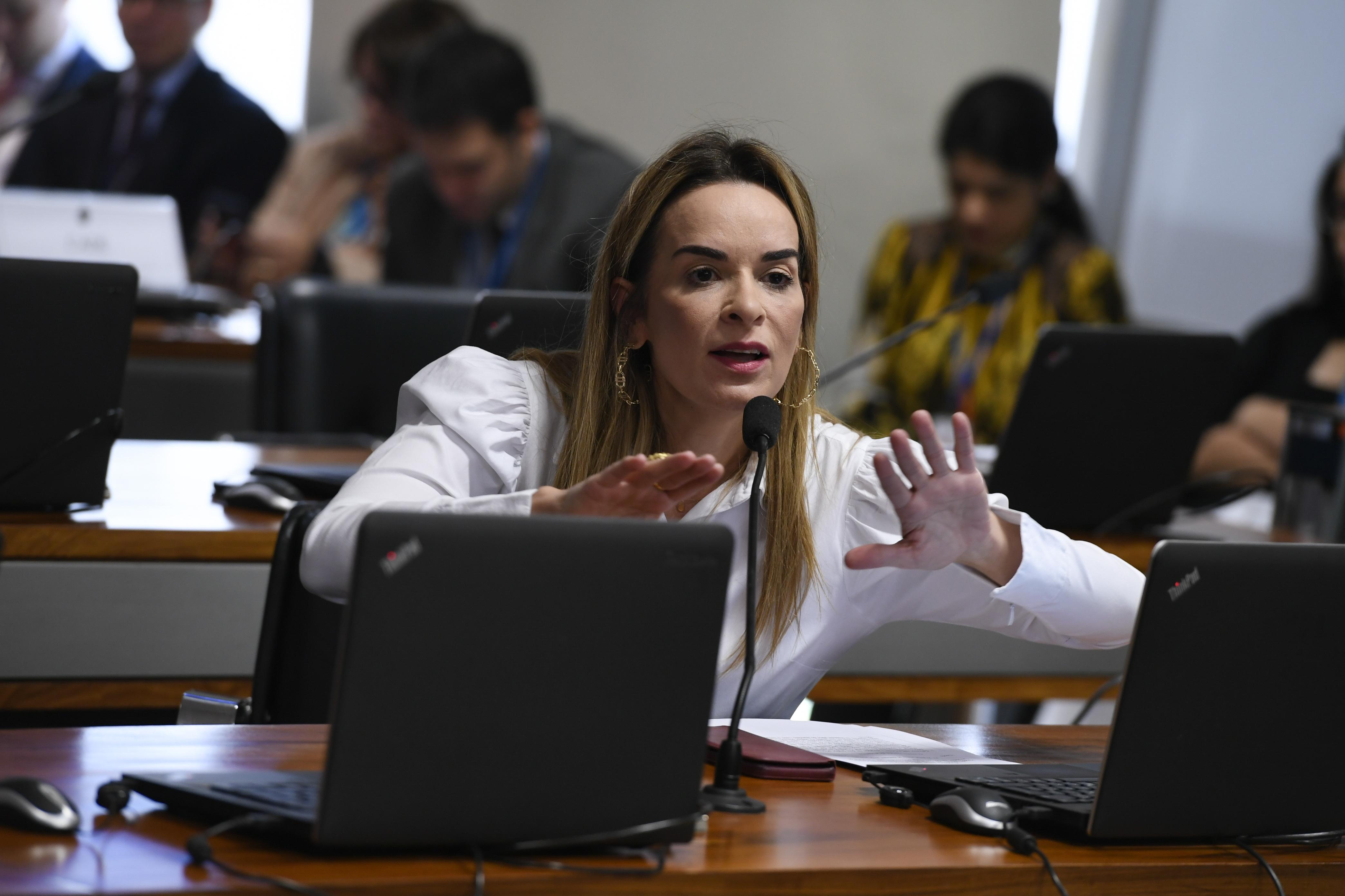 """IMAGEM: """"Não participei de acordo"""", diz senadora do PP que votou pela derrubada do veto a reajuste de servidores"""