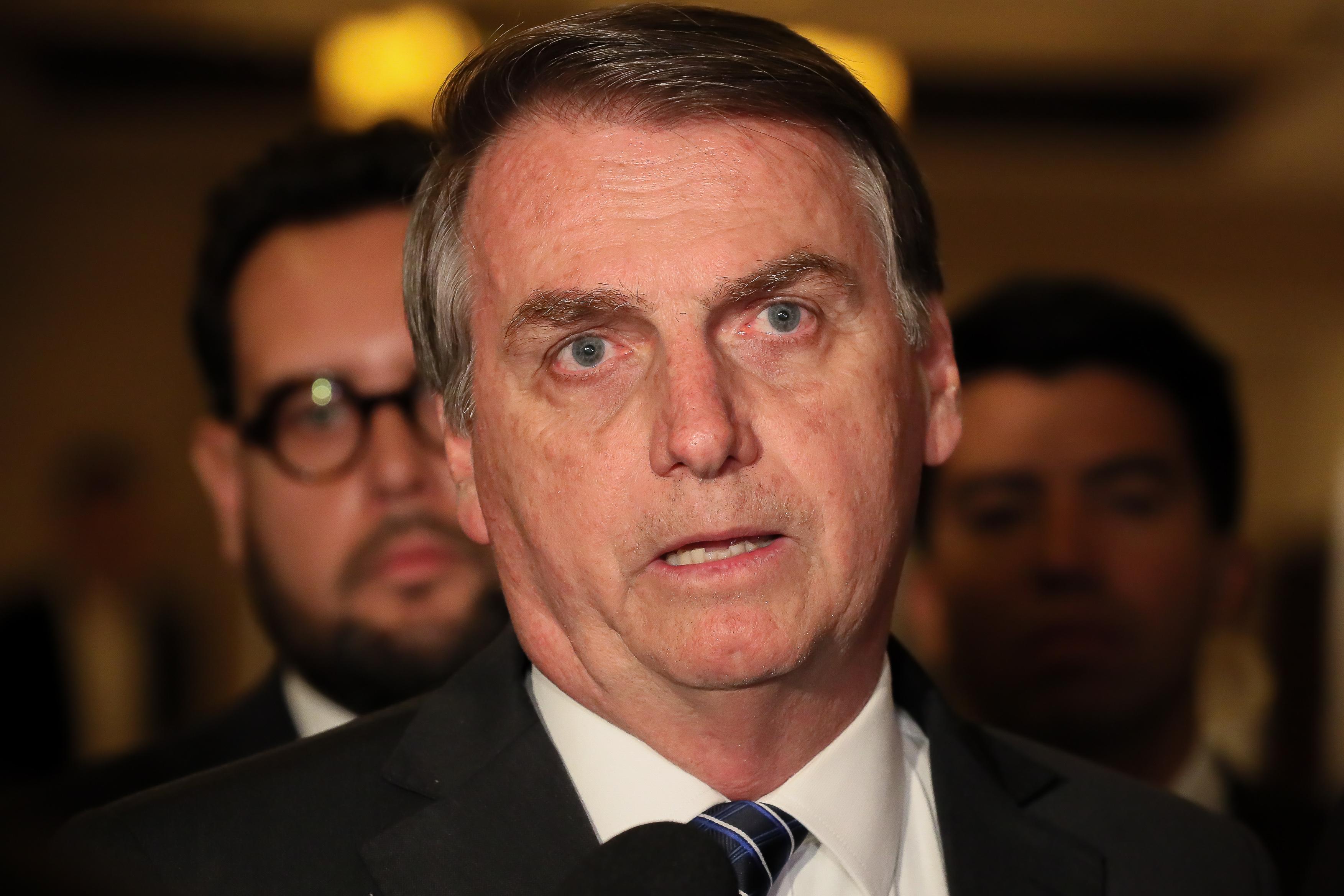 """IMAGEM: Bolsonaro: """"Tem agência reguladora que atrapalha um pouco"""""""