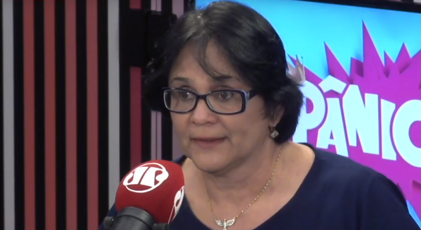 IMAGEM: Damares quer 'salinhas cor de rosa' para atender mulheres em delegacias