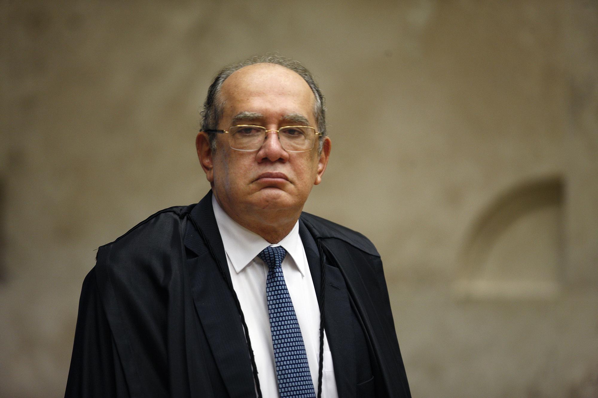 """IMAGEM: """"Bolsonaro pegou carona no desmonte do combate à corrupção"""""""