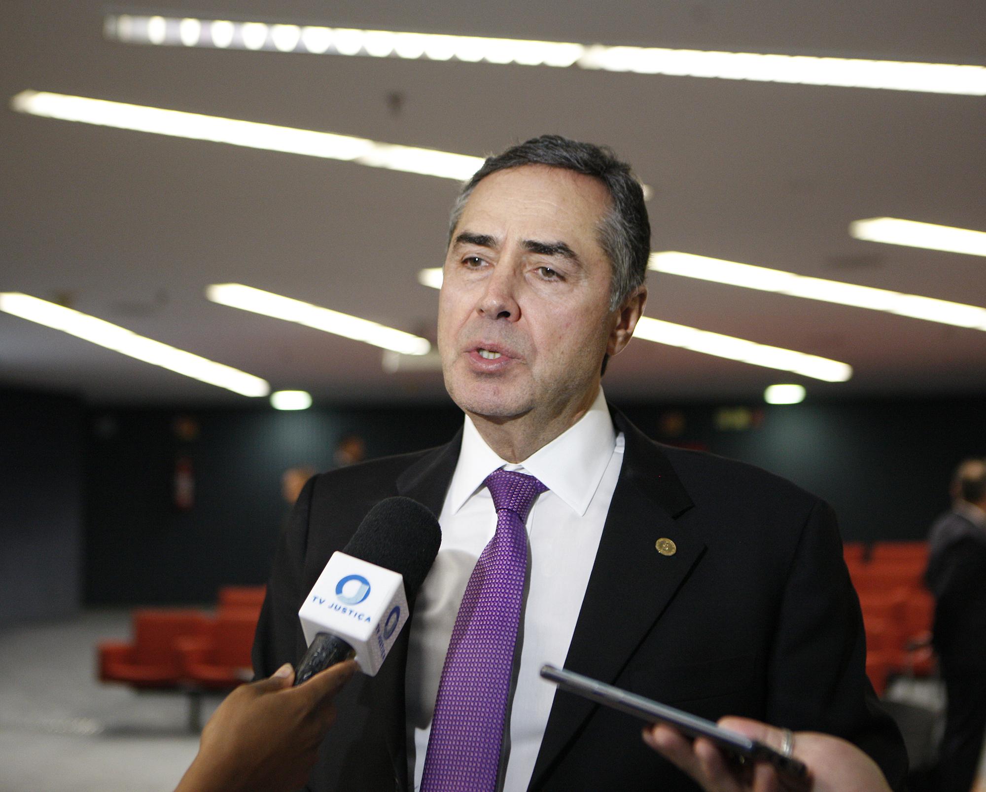 IMAGEM: Barroso convida Mourão, Maia, Alcolumbre e ministros de Bolsonaro para audiência sobre Fundo do Clima