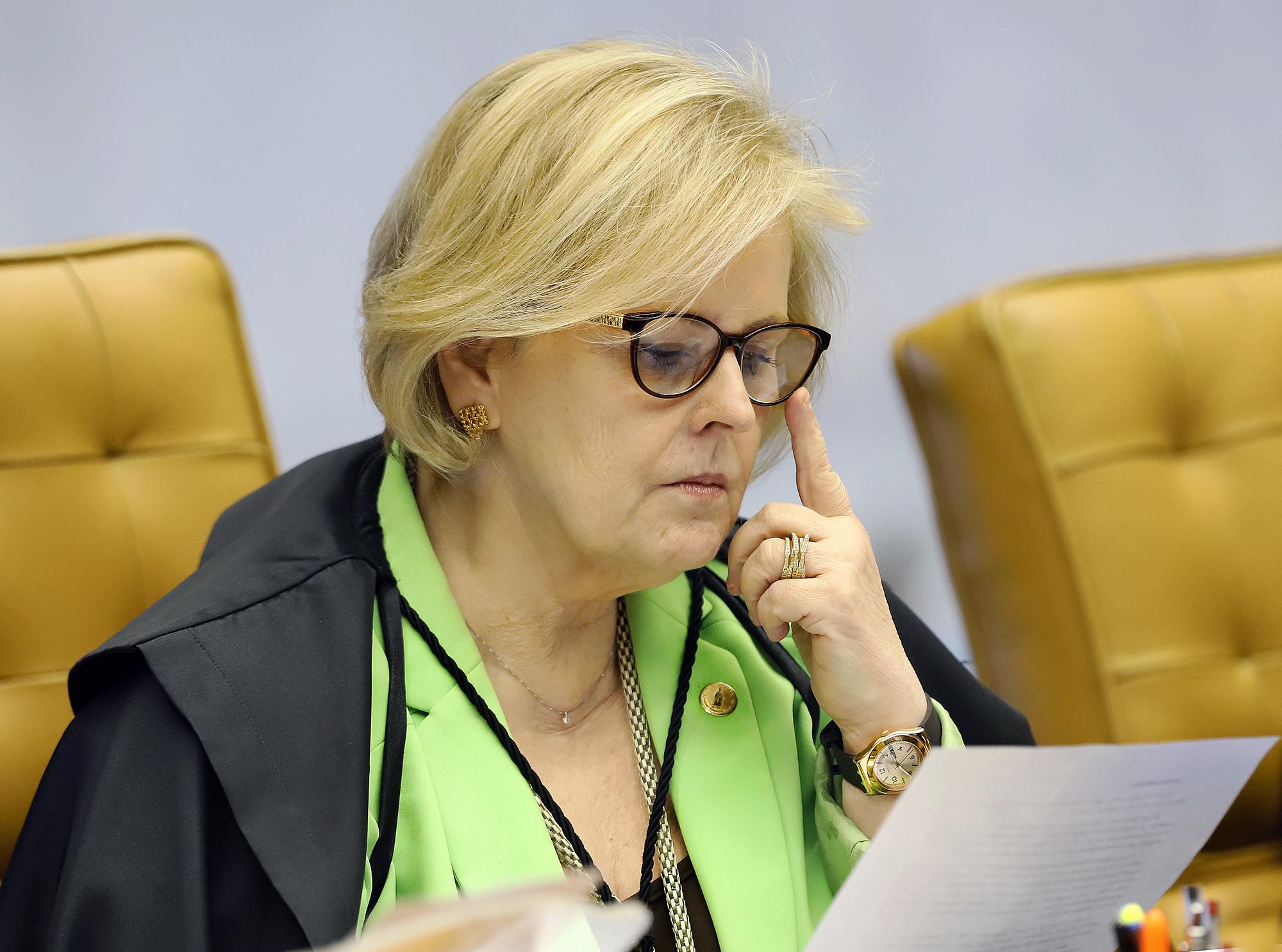 IMAGEM: PSB cobra resposta de Rosa Weber em ação contra decretos que flexibilizam porte de armas